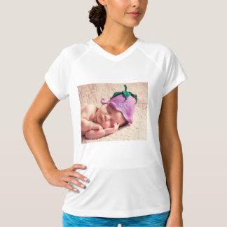 生まれたばかりの Tシャツ
