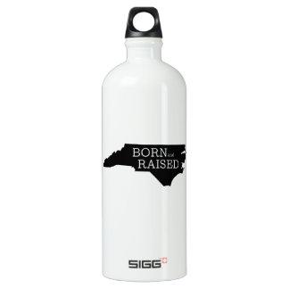 生まれ、上げられたノースカロライナ ウォーターボトル