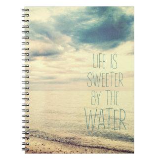 生命はより甘いビーチ場面です ノートブック