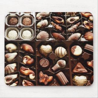 生命はチョコレート菓子のデザートの箱のようです マウスパッド