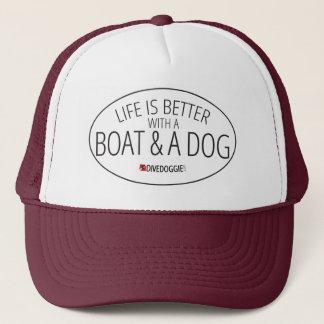 生命はボートおよび犬とよりよいです キャップ