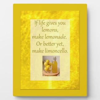 生命はレモンを…作りますLimoncelloの写真のプラクを与えます フォトプラーク