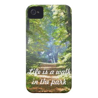 生命は公園のiPhone 4カバーの歩行です Case-Mate iPhone 4 ケース
