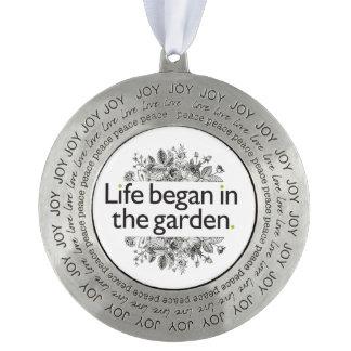 生命は庭で始まりました オーナメント