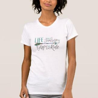 生命は旅行楽しみます乗車のBohoのWanderlustをです Tシャツ