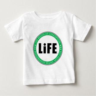 生命は概念で始まります ベビーTシャツ