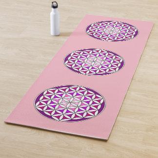 生命、精神的なデザインの紫色の花 ヨガマット