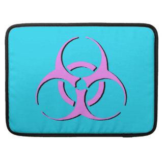 """生物学的災害[有害物質]のMacbookの袖15"""" -ピンクの黒い青 MacBook Proスリーブ"""