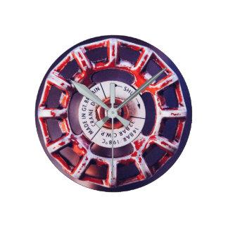 産業弁|のペンキの擦り切れたな捕獲されたスタイル ラウンド壁時計