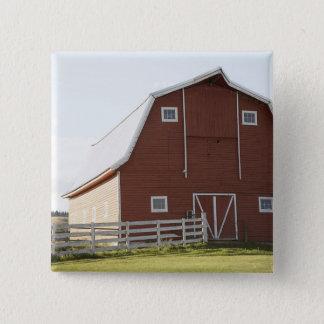 田園景色の納屋 5.1CM 正方形バッジ