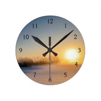 田舎のクリスマスの日没 ラウンド壁時計