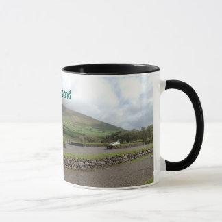 田舎アイルランドのアイルランドのマグ マグカップ