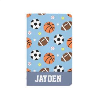 男の子のための球のスポーツがテーマのパターン ポケットジャーナル