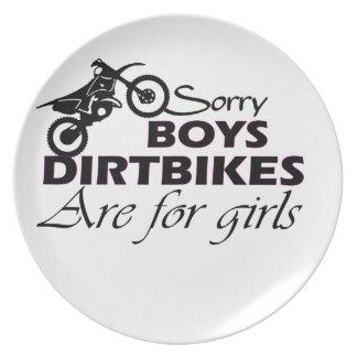 男の子の土のバイクは女の子のためです プレート