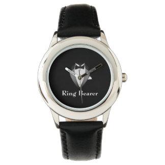 男の子の黒いタキシードの結婚式で指輪を運んで来る人の子供の調節可能な腕時計 腕時計