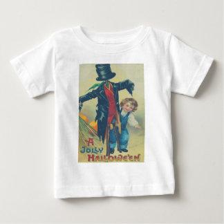 男の子及びかかし ベビーTシャツ