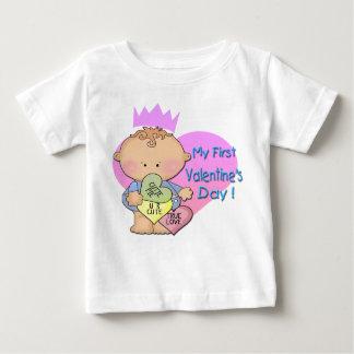 男の子私の第1バレンタインデーの乳児のTシャツ ベビーTシャツ