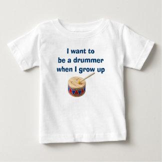 男の赤ちゃんか女の子はドラマーのTシャツでありたいと思います ベビーTシャツ
