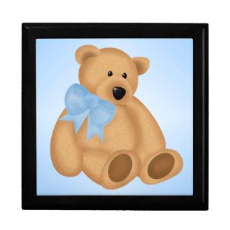 男の赤ちゃんのためのかわいいテディー・ベア、 ギフトボックス