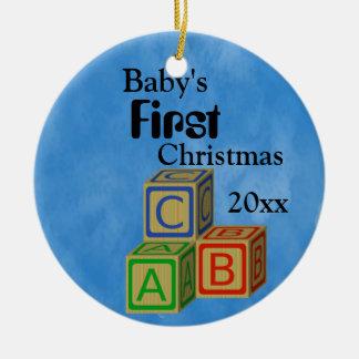 男の赤ちゃんの初めてのクリスマスのブロック セラミックオーナメント