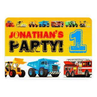 男の赤ちゃんの建築のトラックの第1誕生会 カード