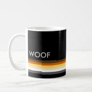 男らしく、お洒落な陽気なくまのプライドの旗のWOOF コーヒーマグカップ