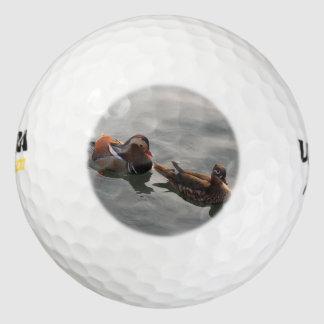 男女の組のMandrainは水泳を引込めます ゴルフボール