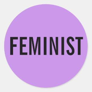 男女同権主義者、ラベンダーのステッカーのはっきりしたで黒い文字 ラウンドシール