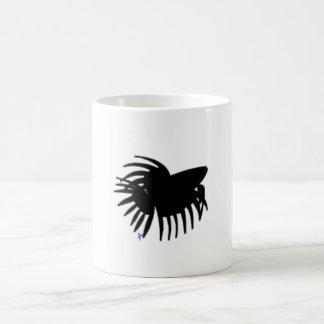 男性のCrowntail Bettaの魚のマグ-黒 コーヒーマグカップ