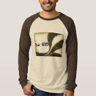 男85のグランジなティー Tシャツ