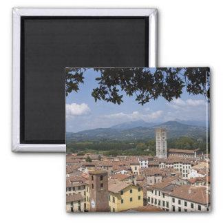 町のイタリア、タスカニー、ルッカ、眺めおよび4 マグネット