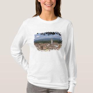 町のイタリア、タスカニー、ルッカ、眺めおよび4 Tシャツ