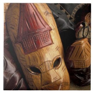町の市場のフィージー、ビティレブー島のマスク タイル