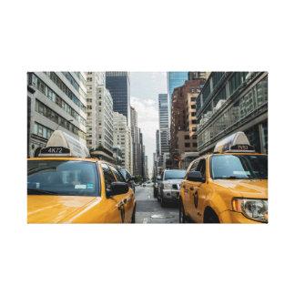 画像的なニューヨークシティの黄色いタクシー キャンバスプリント