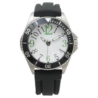 異なった色のシンプルな腕時計の顔 腕時計