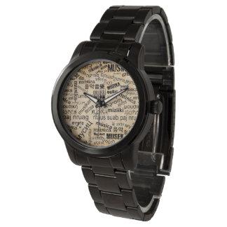 異なった言語の音楽 腕時計