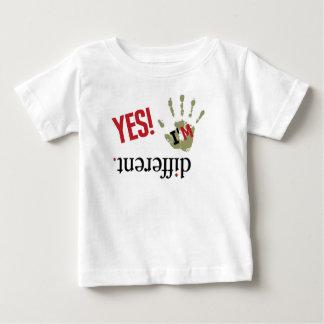 異なっていて下さいあって下さい ベビーTシャツ