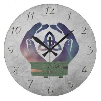 異教のな結婚式のための永遠のHandfastingの時計 ラージ壁時計
