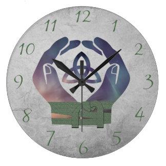 異教徒のための永遠のHandfastingの時計は最近結婚します ラージ壁時計