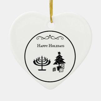 異教徒間の幸せな休日の円のデザイン 陶器製ハート型オーナメント