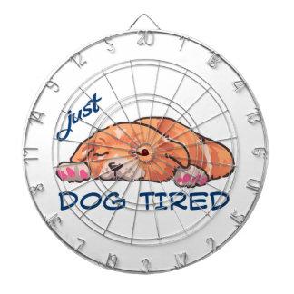 疲れている犬 ダーツボード