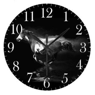 疾走するまだら馬の馬および煙 ラージ壁時計