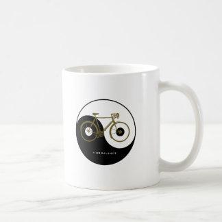 発見のバランス/陰陽の自転車 コーヒーマグカップ