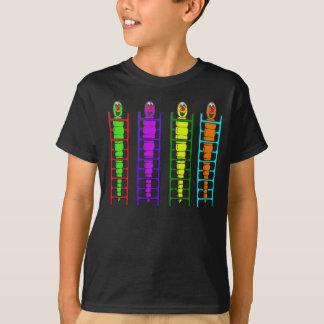 登山の幼虫の子供のティー Tシャツ