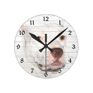 白いいじめっ子のピットブル ラウンド壁時計
