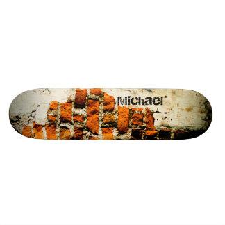 白いおよびオレンジ壊されたレンガ壁を個人化して下さい 20.6CM スケートボードデッキ