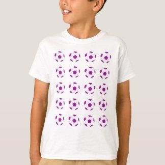 白いおよび紫色のサッカーボールパターン Tシャツ