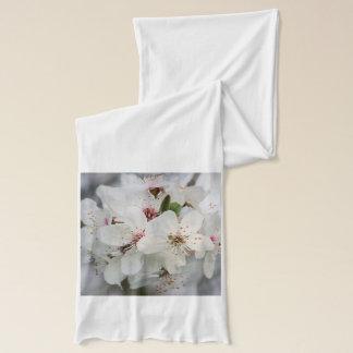 白いさくらんぼの開花のデザイン スカーフ