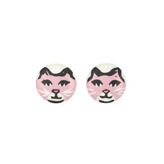 白いひげを搭載するパステル調ピンク及び白いCAT ピアス