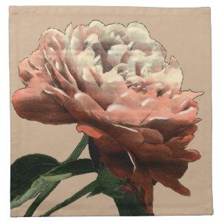 白いアクセントのルビー色の赤いバラ ナプキンクロス